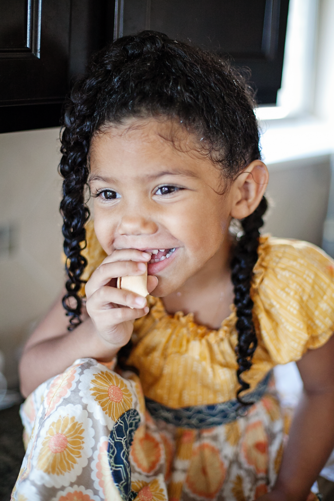 Mixed Hair Care: Tips for biracial hair care, biracial hair washing, and a step-by-step guide to getting beautiful moisturized curls. Teach your daughters to love their natural hair. Natural hair care for kids. #naturalhairkids