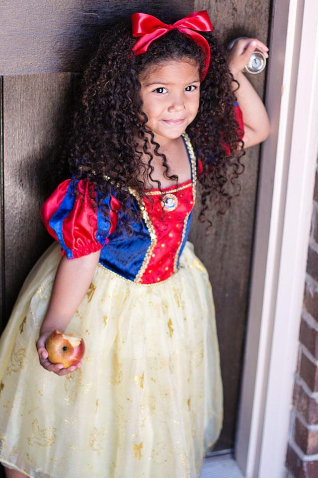 Black Snow White