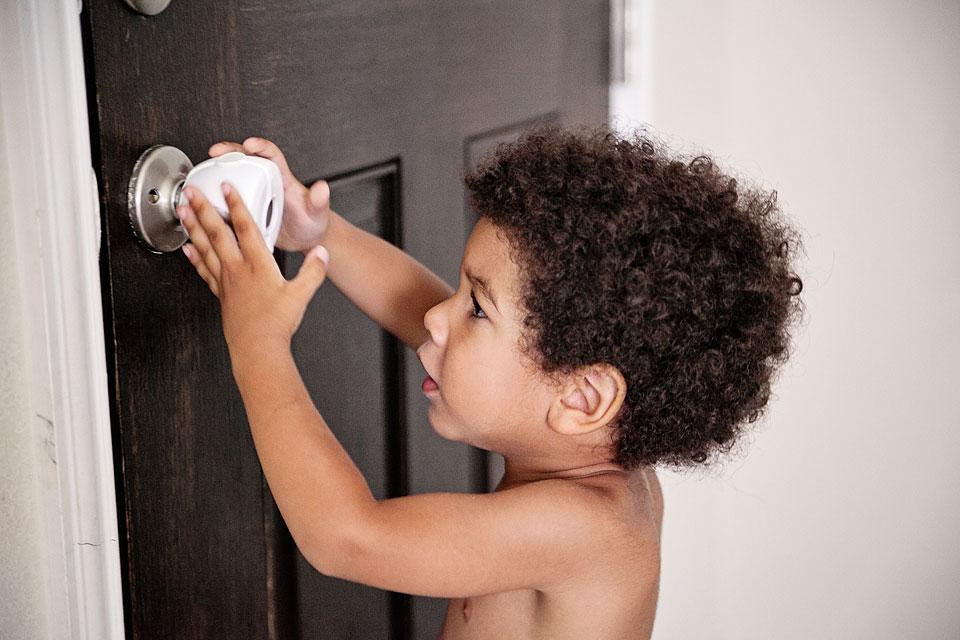 babyproof-door-lock