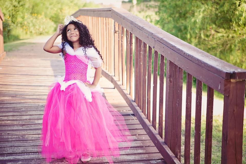 b7e7364493a Sleeping Beauty Tutu Dress Tutorial  No-Sew Disney Aurora Dress - Cherish365