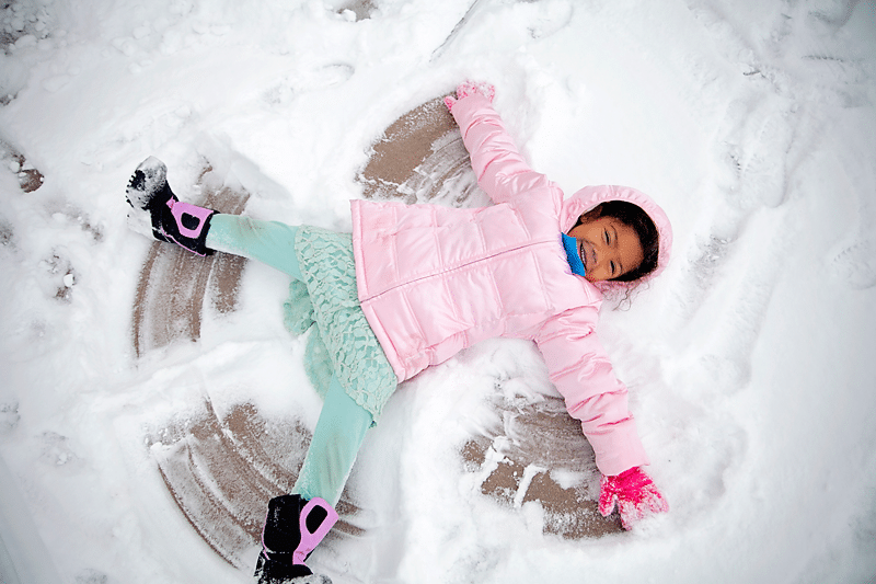 Tips for Playing in Snow: Photographing kids in snow.