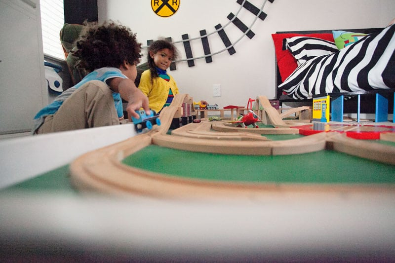 How awesome! A super easy tutorial for making DIY wall train tracks. Perfect for any little train lover!