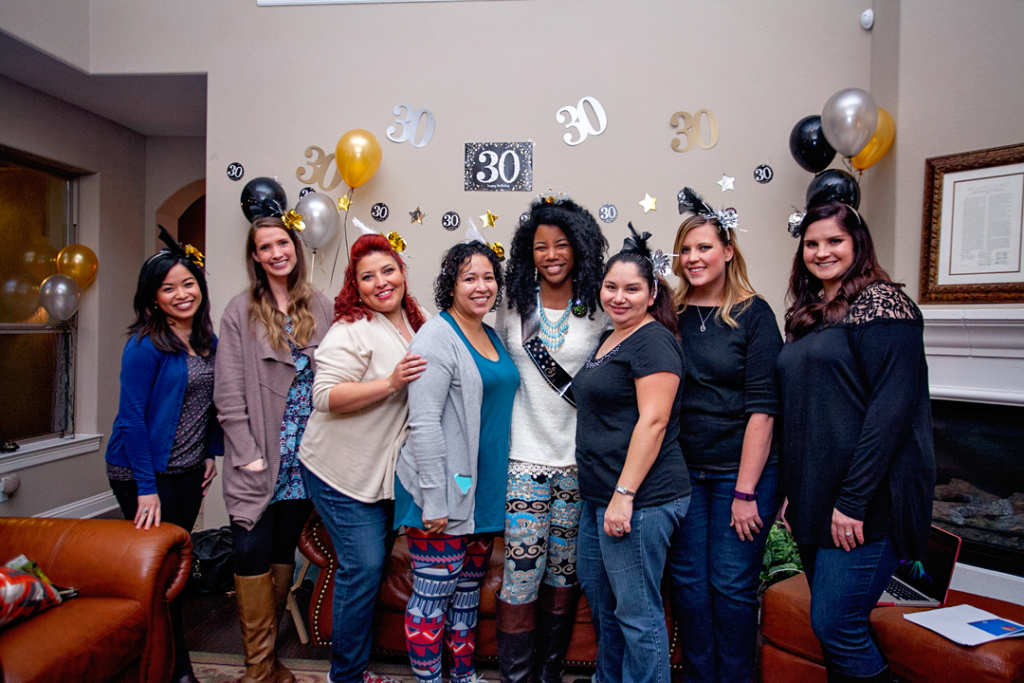 Vision Boards: How to host a vision board party and how to make a vision board. What a great way to ring in a 30th birthday!