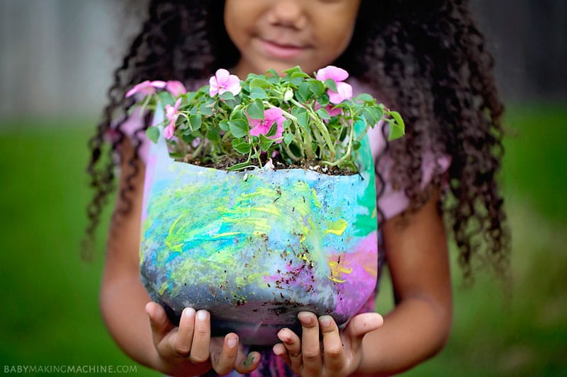 Gardening with kids: Tips for up-cycling and gardening with your kids. Perfect to try for Earth Day!
