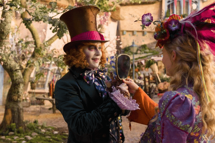 Is Alice Through the Looking Glass too scary for kids? Especially young ones? Here's a review to read before you take you head to the theater.