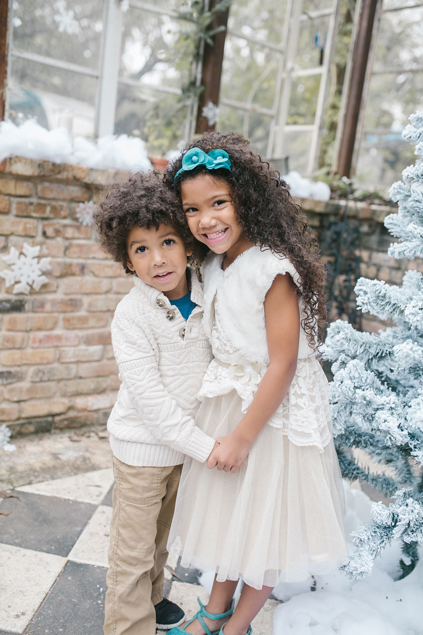 santa-photo-shoot-siblings-2