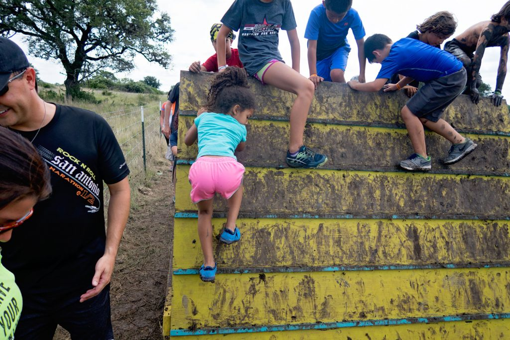 We participated in a kids obstacle challenge. A great family activity to bring you closer to your kids and a fun way to get active together as a family.