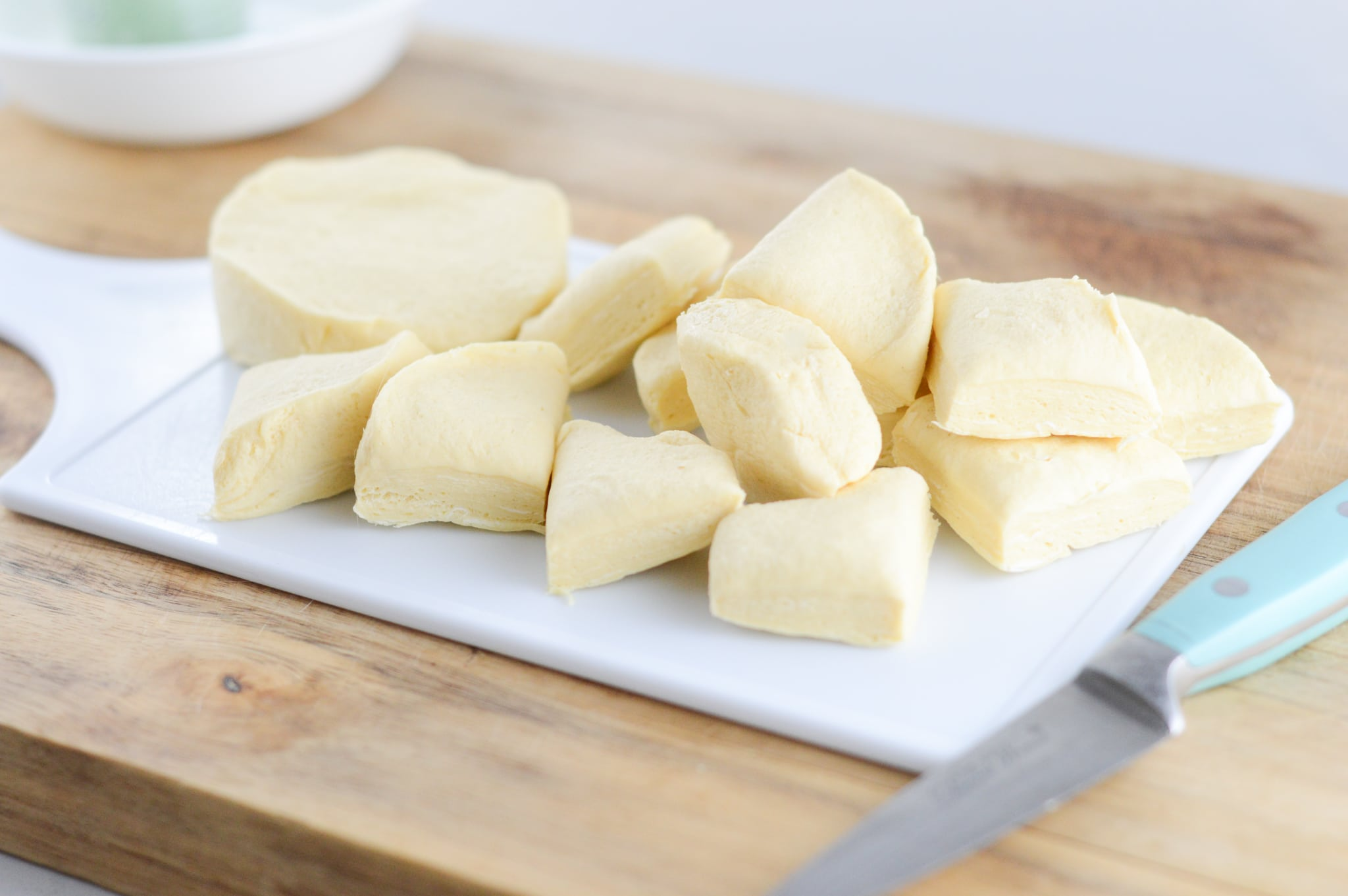 sliced biscuits to make easy beignets recipe