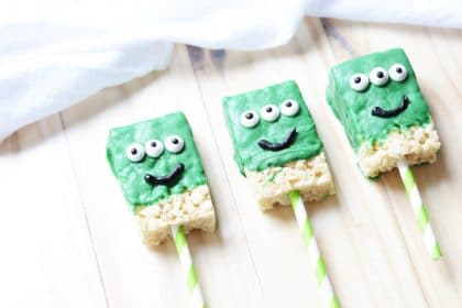 Green chocolate covered rice krispy desserts