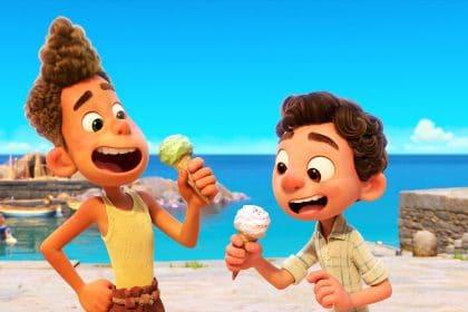Luca boy friends eating gelato